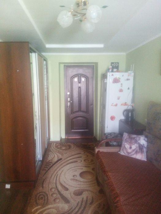 Срочно продам квартиру в гуртожитку Винники - изображение 1