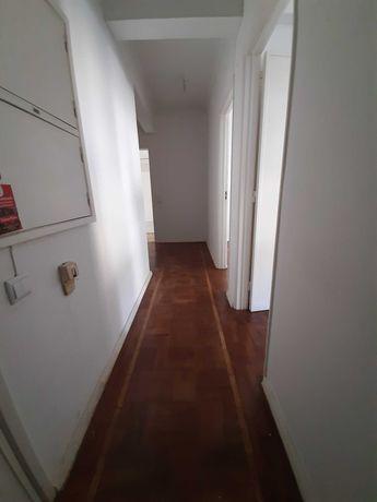 Alugo apartamento t1