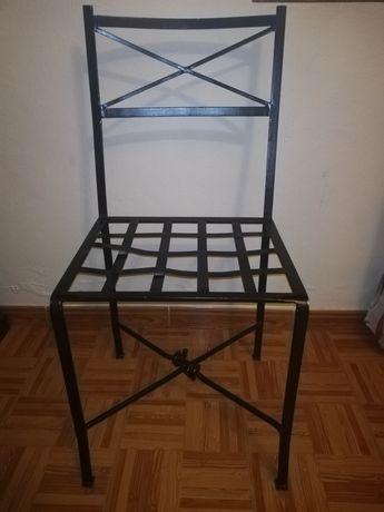 Cadeiras em ferro forjado