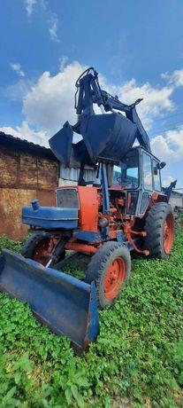 Продам погрузчик ПЕ на базе трактора ЮМЗ
