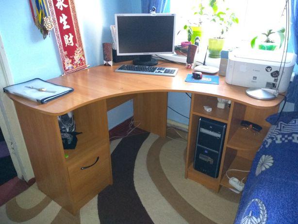 Стол письменный,офисный