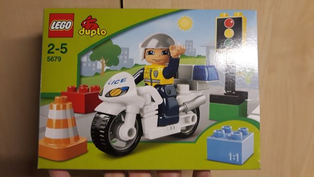 LEGO DUPLO 5679 policjant na motorze