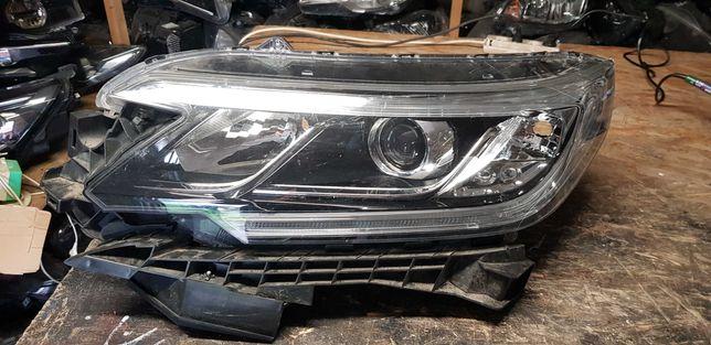 lampa przód Honda CR-V 4 lift 15-18