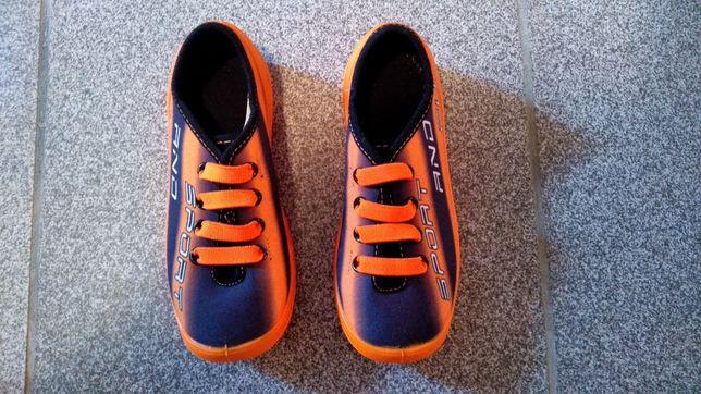 Продам дитячі кеди / кросівки / літні туфлі / мокасини фірми MB Польща