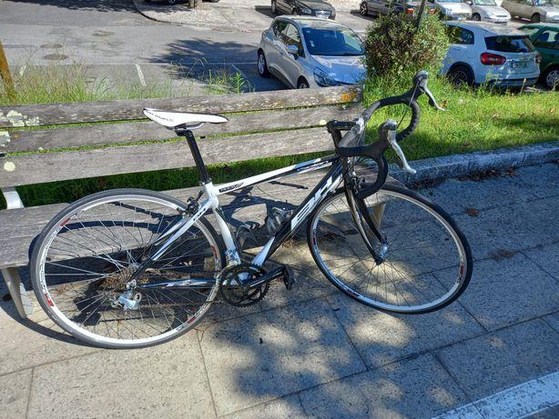 Bicicleta estrada BH