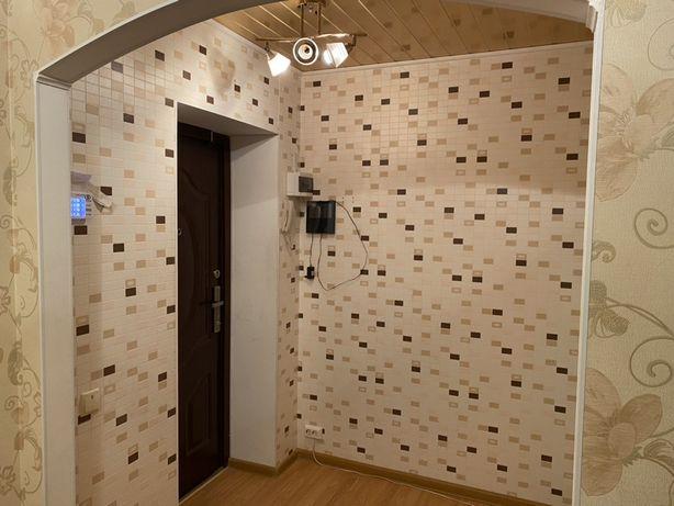 2х комнатная квартира с гаражом, р-он Крепость