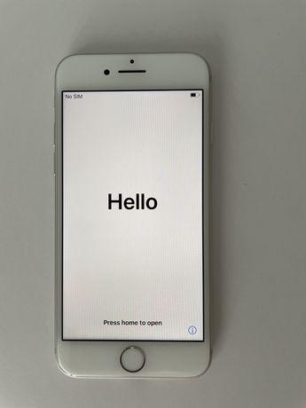 iPhone 8 64 GB + słuchawki + etui