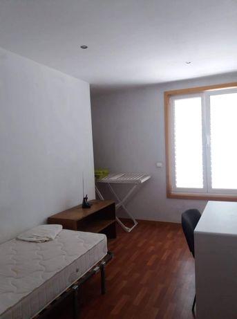 Quarto para arrendar no centro de Coimbra