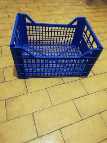 Sprzedam skrzynki plastikowe