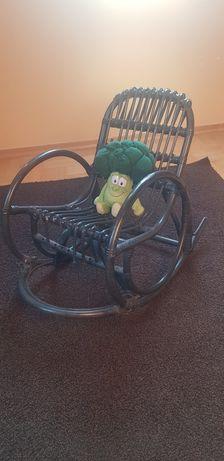 Fotel bujany wiklinowy dziecięcy do renowacji