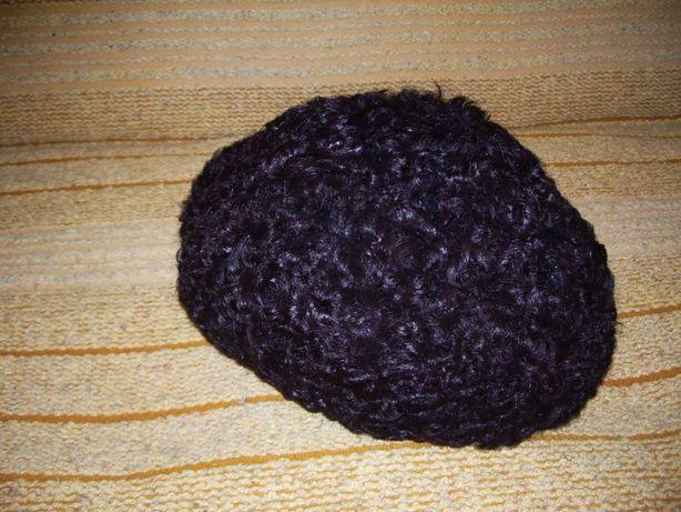 Czapka zimowa damska z karakułów czarnych w rozm.52 cm.