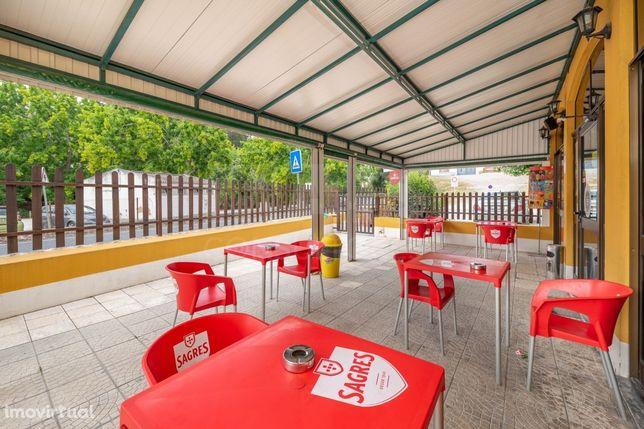 Moradia e Restaurante em Alenquer