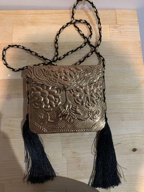Torebka metalowa zlota Zara