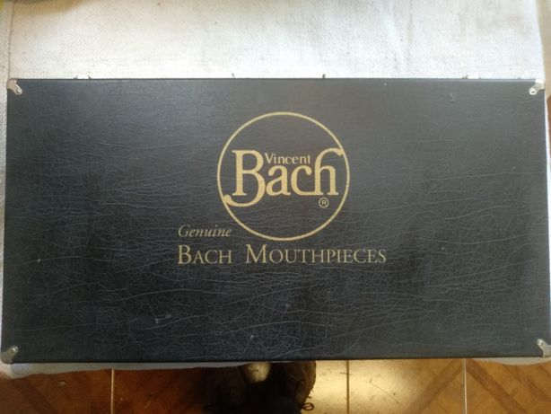 Estojo Vincent Bach para bocais trompete trombone