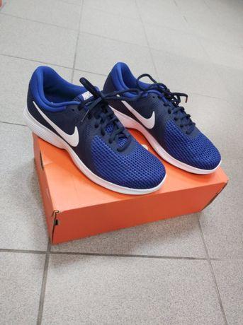 Buty Nike Revolution 4 Eu ( rozm. 40 )