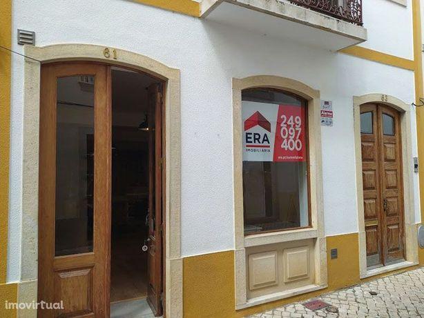 Loja, 100 m², Tomar (São João Baptista) e Santa Maria dos Olivais