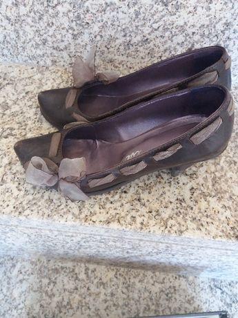 Sapatos muito elegantes e confortáveis
