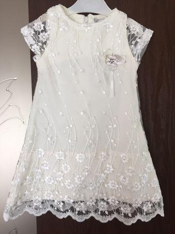 Красивенькое платье для маленькой модницы 1-2 года