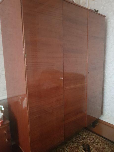 Шкаф для спальні
