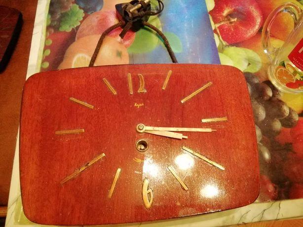 Настенные часы Majak