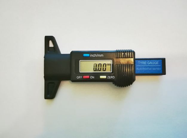 Цифровой глубиномер измеритель глубины протектора шин (новые)
