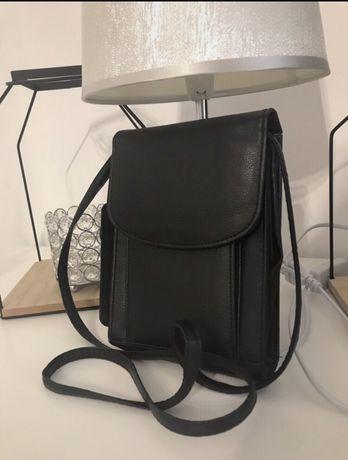 Mala skorzana torebka na ramie