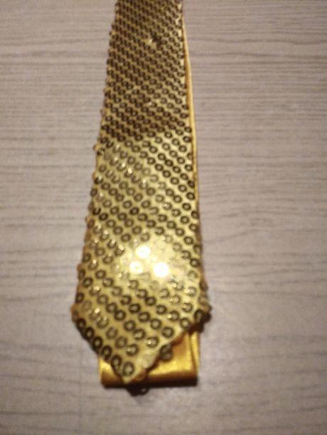 Nowy krawat z cekinami karnawał