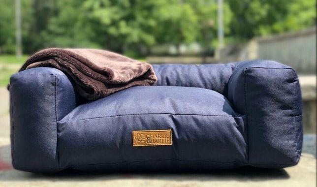 Лежанка-диван с пледом «Charlie&Harlie», модель «Like a king»