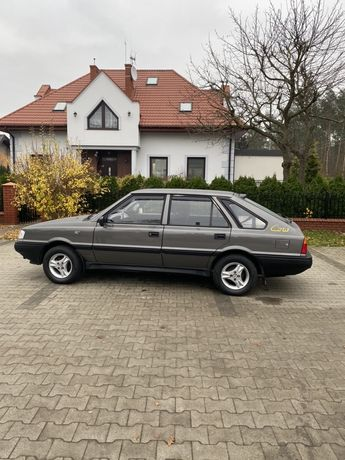 Polonez 1.4 16V Stan idealny,bez śladów korozji,oryginalny lakier.