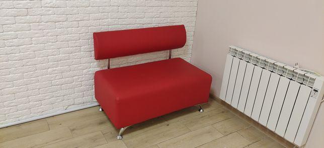 Продам диван для салона красоты