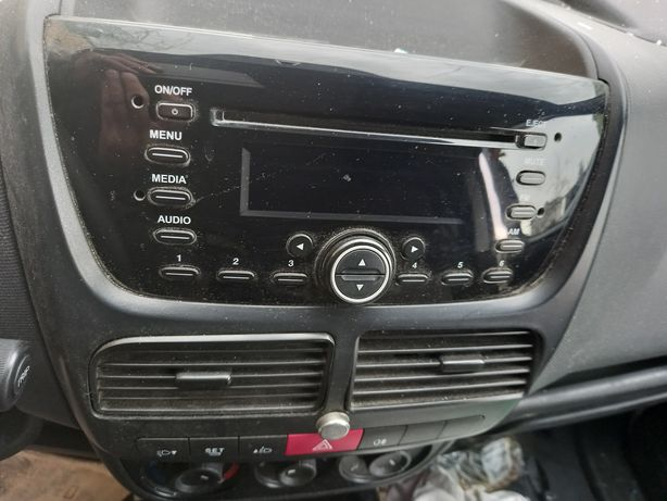 Fiat doblo combo 2014r radio CD inne czesci