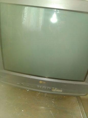 Телевизор elenberg и телевизор lq