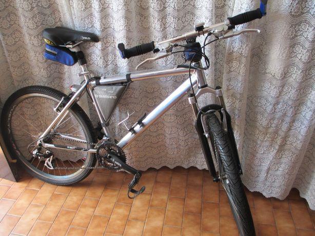 Biciclete de adulto toda equipada e Nova