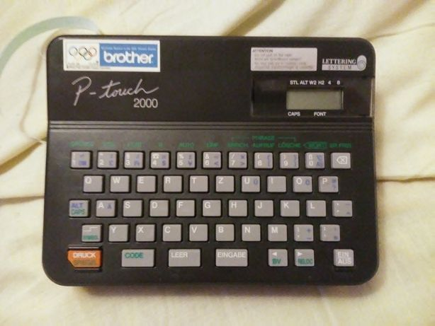 BROTHER P-touch 2000,Drukarka napisów na samoprzylepnej folii + gratis