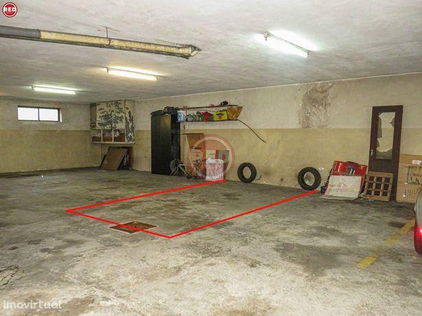 Lugar de garagem no Candal