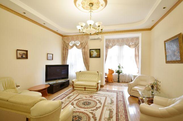 Трехкомнатная квартира на Дерибасовской 31 (самый центр города)