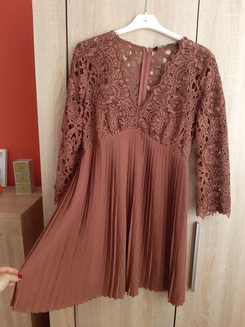 Sukienka plisowana z koronką M/L ZARA
