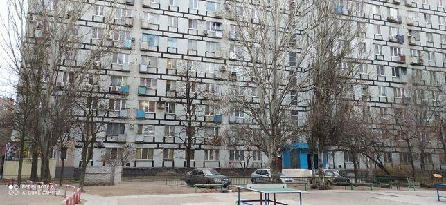 Продам 1-комнатную квартиру с ремонтом на ж/м Солнечный, центр.