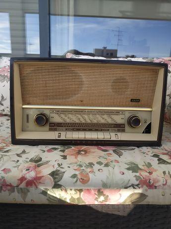 Rádio Antigo Grundig Modelo Musikgerät Type 2320