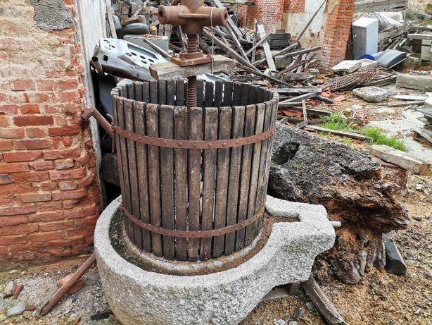 Prensa Lagar de Vinho em Pedra Antiga