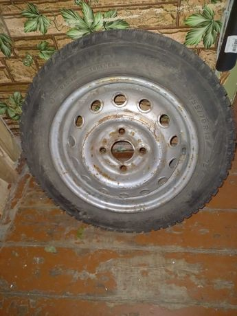 Продам зимнее колесо 155/70R 13