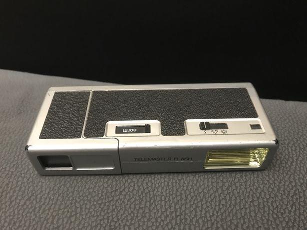 Stary analogowy aparat miniaturowy 16mm