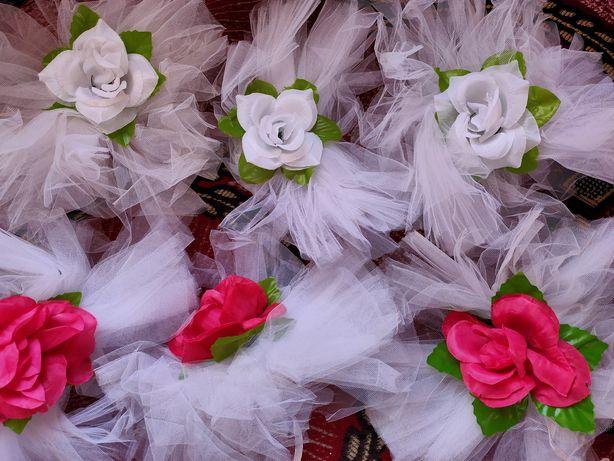 Бутоньєрки, прикраси на весілля, бібула.