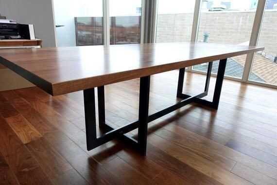 Стол из натурального дерева. Мебель на заказ. Стол кухонный. 5000грн