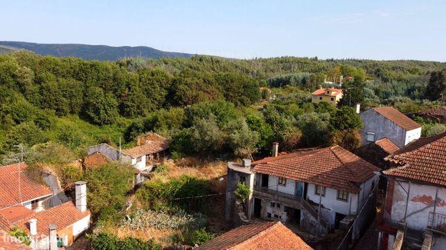 Bela moradia localizada em Fontão Fundeiro, no concelho de Figueiró do