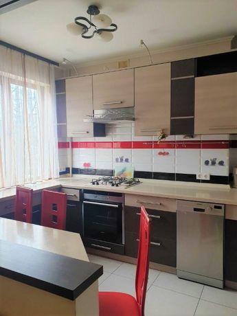 Продаж 4-х кімнатної квартири по вул.В.Великого