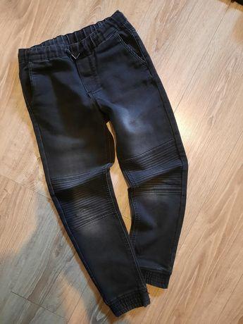 Joggery spodnie r. 146 Pepperts