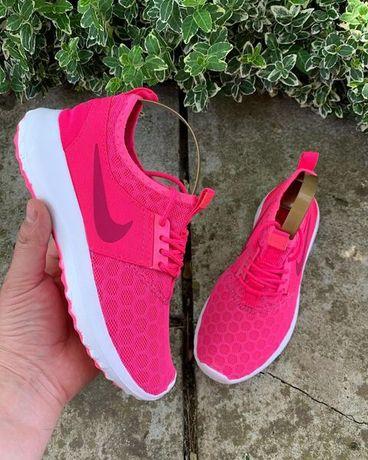 Кроссовки Nike в отличном состоянии