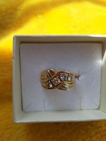 4 бриллианта крупных 750 проба ЯПОНСКОЕ золото и другие