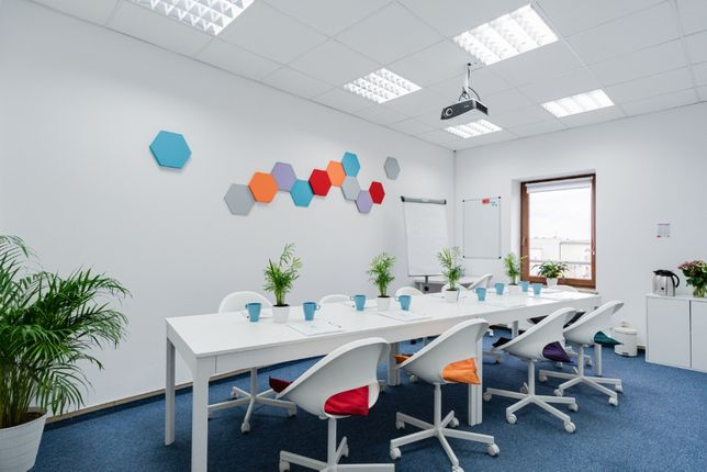 W pełni wyposażona sala szkoleniowa/konferencyjna na wynajem
